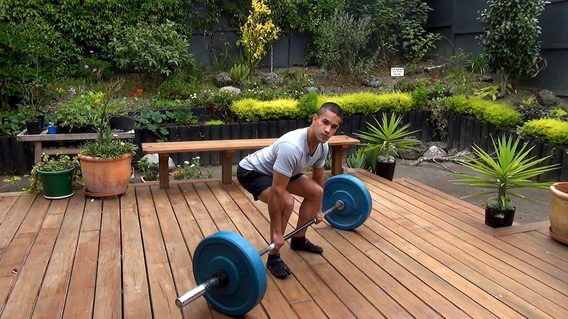 deadlift exercise weightlifting